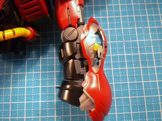 MGサザビーverka腕製作2.JPG